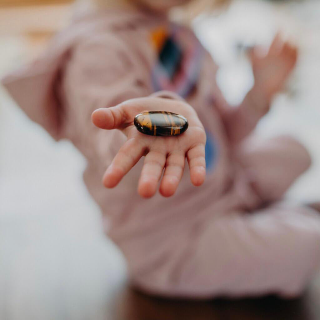 Welcher Stein der richtige für das Kind ist, weiß jedes Kind intuitiv.